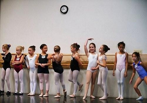 Дети, занимающиеся балетом